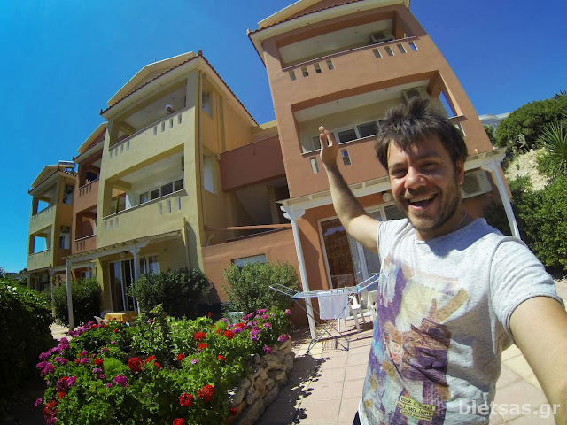 Yolanda Studios! Εκεί μείναμε! Πολύ άνετα δωμάτια σε πολύ καλό σημείο για να εξερευνήσουμε τα καλύτερα σημεία του νησιού!