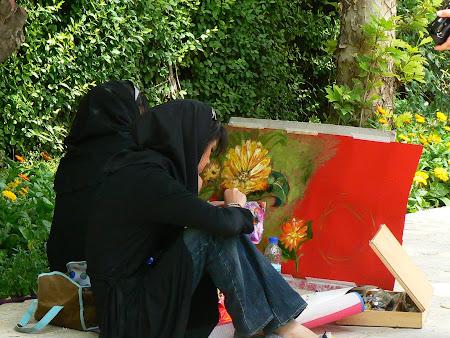 Women painters in Shiraz