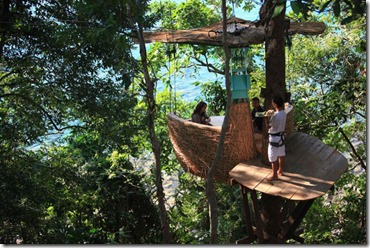 luxurious_restaurant_at_the_treetop_640_02