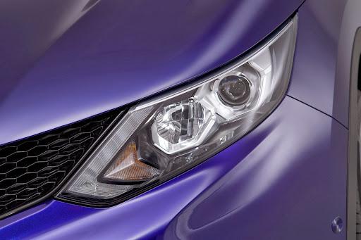 2014-Nissan-Qashqai-15.jpg