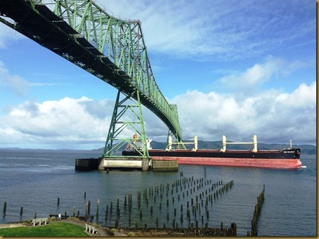 astoria bridge with freightliner