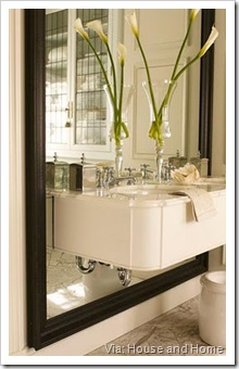 Bath vanity on mirror des Julie Charbonneau H&H