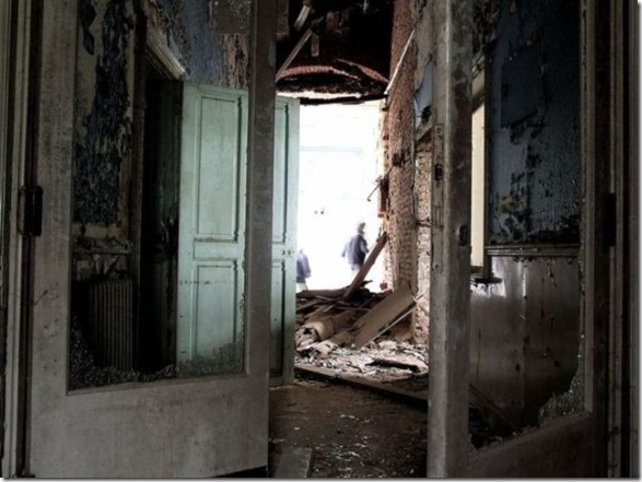 abandoned-castle-belguim-37