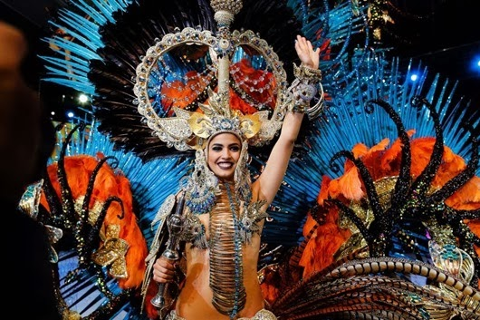 Amanda Perdomo celebrates after being elected Queen of the 2013 Santa Cruz carnival.