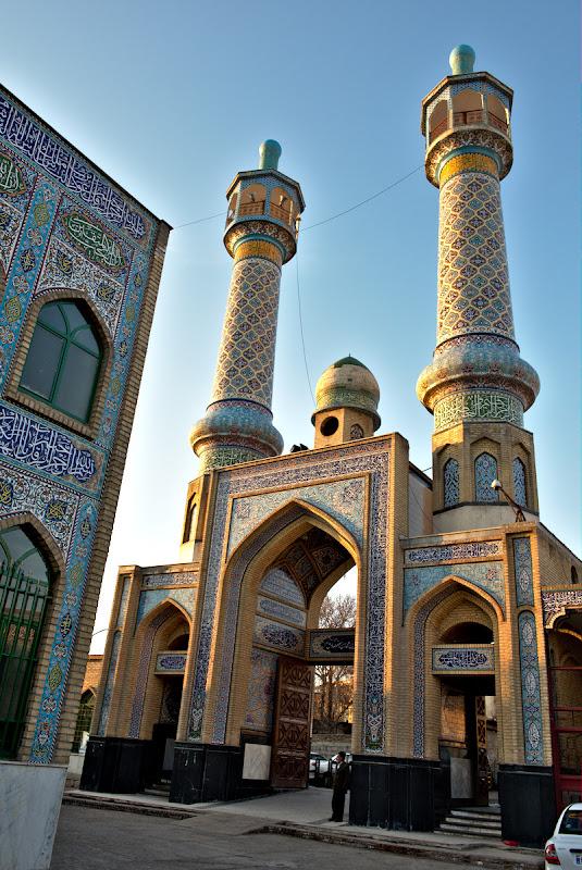 Poarta de intrare spre moschee.