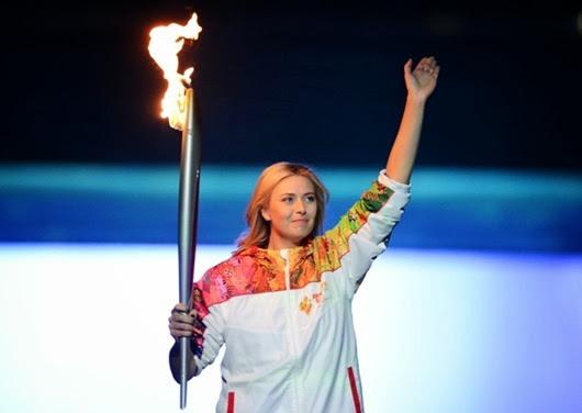 Факелоносец-теннисистка-Мария-Шарапова1