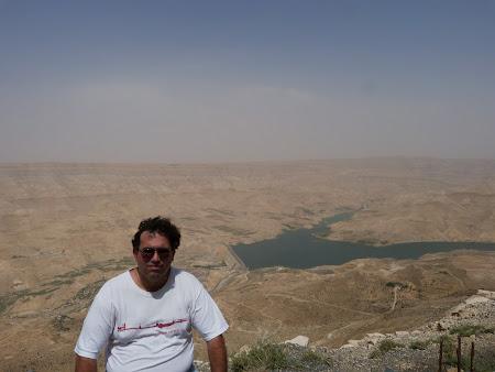 Imagini Iordania: Baraj in desert