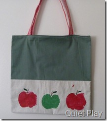 Apple print tote bag