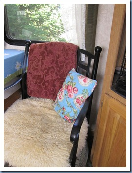 20110930_camper-interior-fall_008