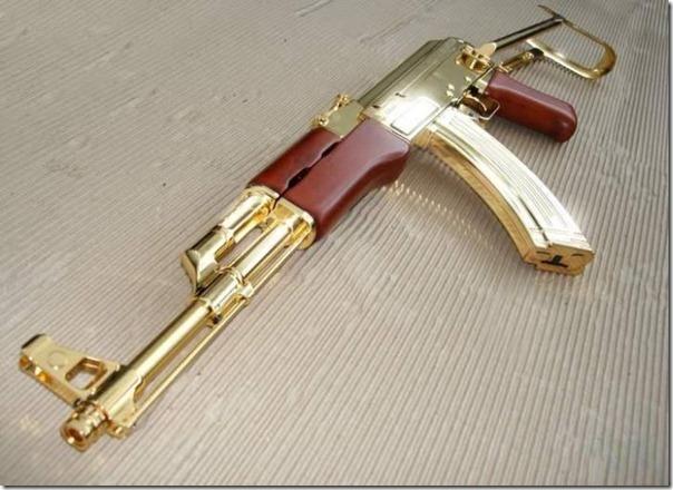 Armas de Ouro de Saddam Hussein (1)