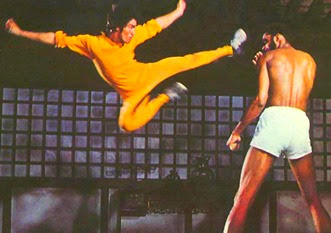 Bruce Lee fighting against the giant Kareem Abdul Jabbar