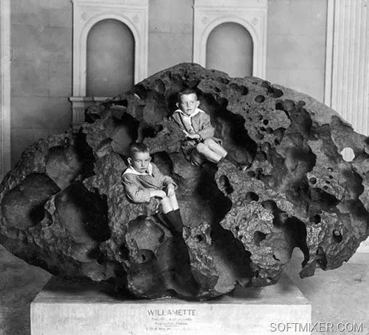 meteorite-1910-boys-1200_thumb[14](2)