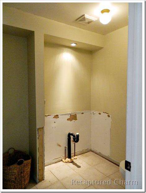 Laundry powder room makeover1 012a