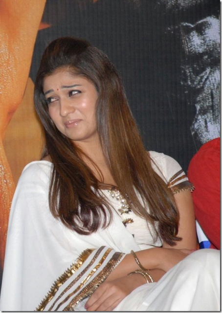 tamil-actress-beautiful-nayanthara-latest-photos26