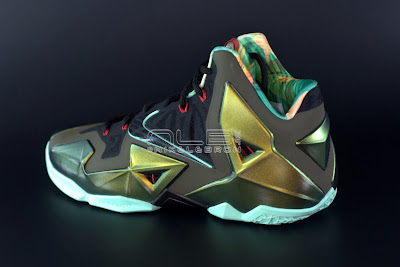 lebron11 king of the jungle 01 web dark LEBRON 11 Breakdown: Yes, its True to Size & Yes, its the Lightest LBJ Sig!
