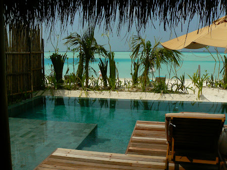 21. piscina privata Anantara Dhigu.JPG