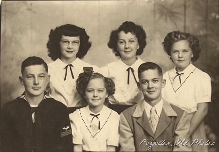 Group of Kids Fergus Falls Antiques
