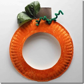 paper plate pumpkin wreath