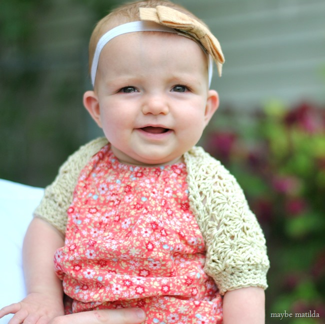 Free crochet pattern and step-by-step photo tutorial for this sweet vintage-style shrug! Adaptable to any size, from baby through adult.