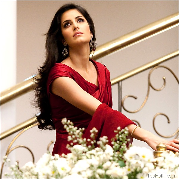 Katrina Kaif Hot Hd Pics in Red Dress 8