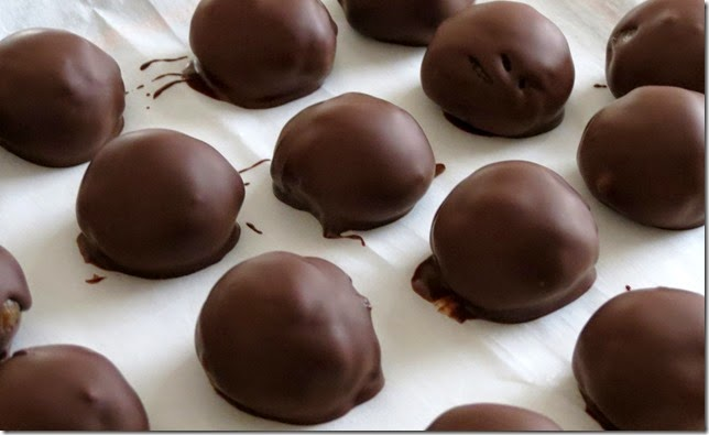Healthy Peanut Butter Caramel Chocolate Truffles