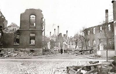 Bombadierung Meschede 1.jpg
