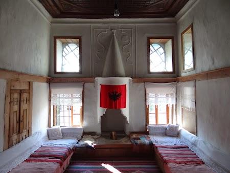 24. Camera familie Skenduli House Gjirokaster.JPG