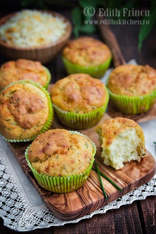 Muffins cu smantana si chives