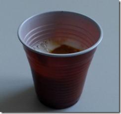 Bicchierino del caffè subito prima della sua eliminazione