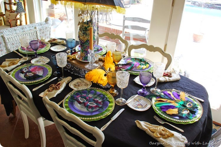 MARDI GRAS TABLE 15