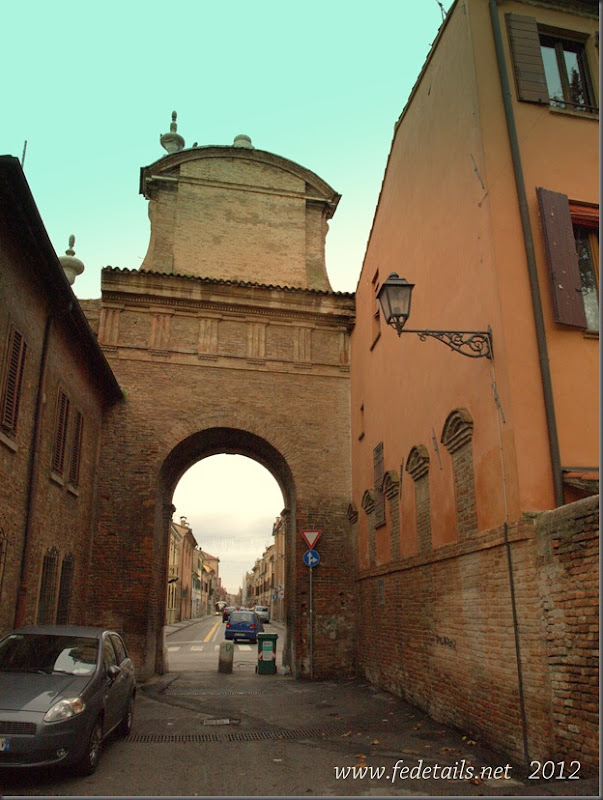 Prospettiva della Ghiara ( retro ), Ferrara, Emilia Romagna, Italia - Perspective of Ghiara ( back ), Ferrara, Emilia Romagna, Italy - Property and copyrights of www.fedetails.net