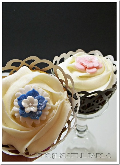 cupcakes with flowers 037a