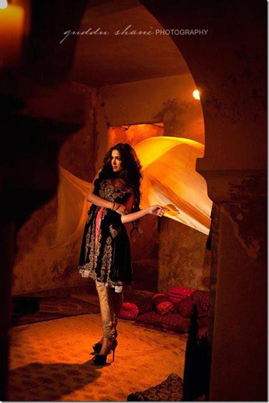 Nickie-Nina-Mughal-Raj-12