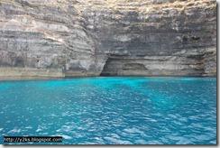 Una delle tante grotte - Lampedusa