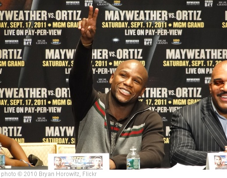 'Floyd Mayweather' photo (c) 2010, Bryan Horowitz - license: http://creativecommons.org/licenses/by-sa/2.0/