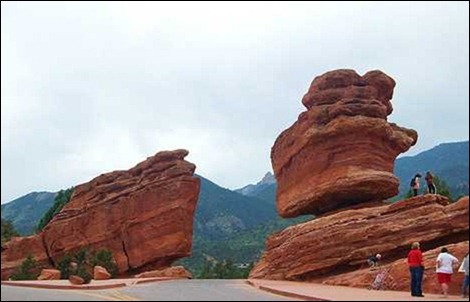 balanced_rocks_01