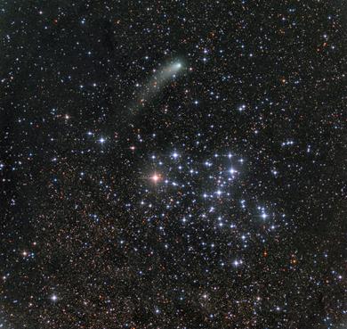 M6 e cometa Siding Spring