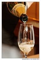 nalevani_champagne