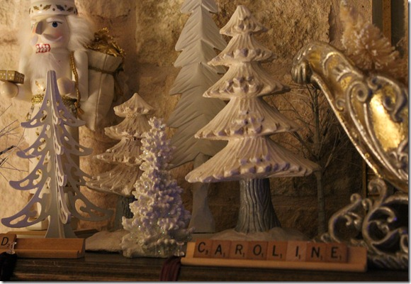 christmas mantle 3