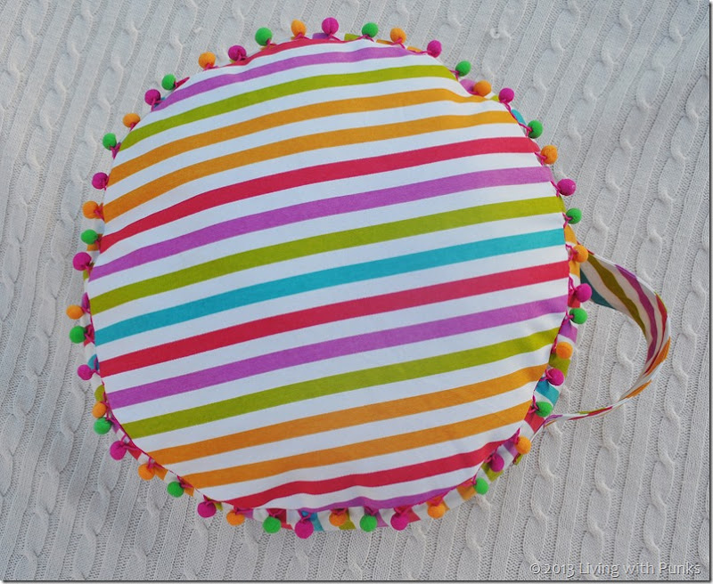 DIY Floor Cushion.  Only take one yard of fabric!