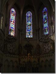 2012.08.26-007 vitraux dans l'église