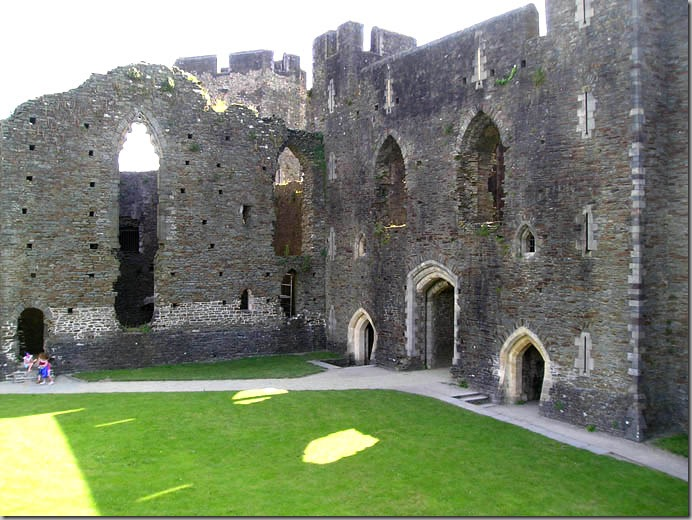 caerphilly castle5