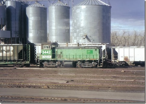 Placespages trains in havre mt bnsf sw15 3442 in havre montana in february 2000 sciox Choice Image