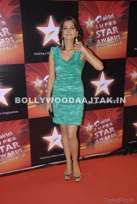 Anjana Sukhani Hot Pics in Golden Dress 10