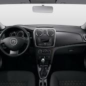 2013-Dacia-Logan-Sandero-Interior-4.jpg