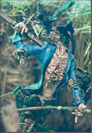 monsters2_scarecrow_photo_01_dp