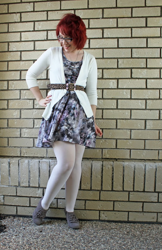 colored tights outfit ideas