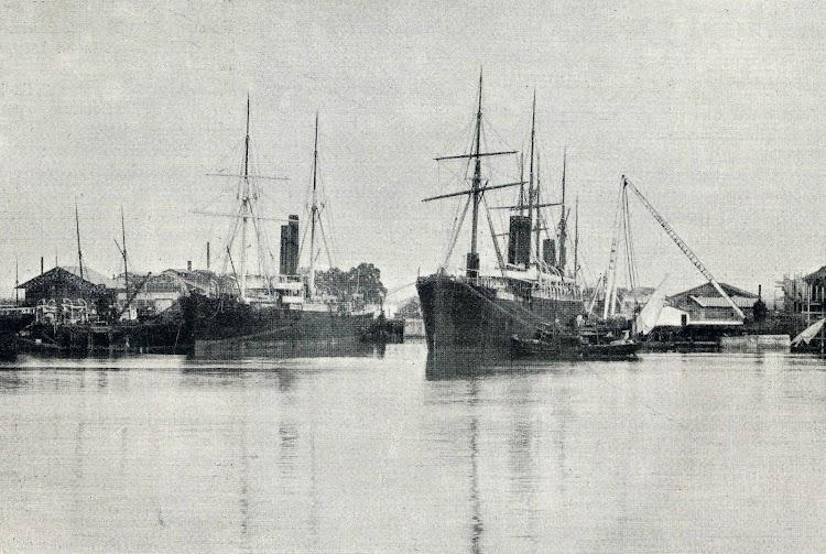 Vapores SANTO DOMINGO y BUENOS AIRES en el dique de Cádiz. Revista EL MUNDO NAVAL ILUSTRADO. Enero de 1898.jpg