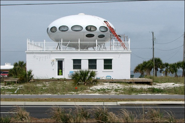 Pensacola Beach's Spaceship House 02