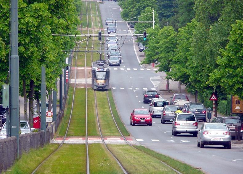 grass-tram-tracks-2